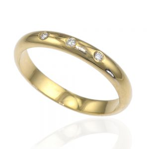 Triple Diamond Wedding Ring in 18ct Gold