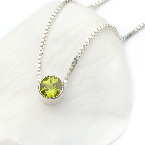 august birthstone necklace, peridot