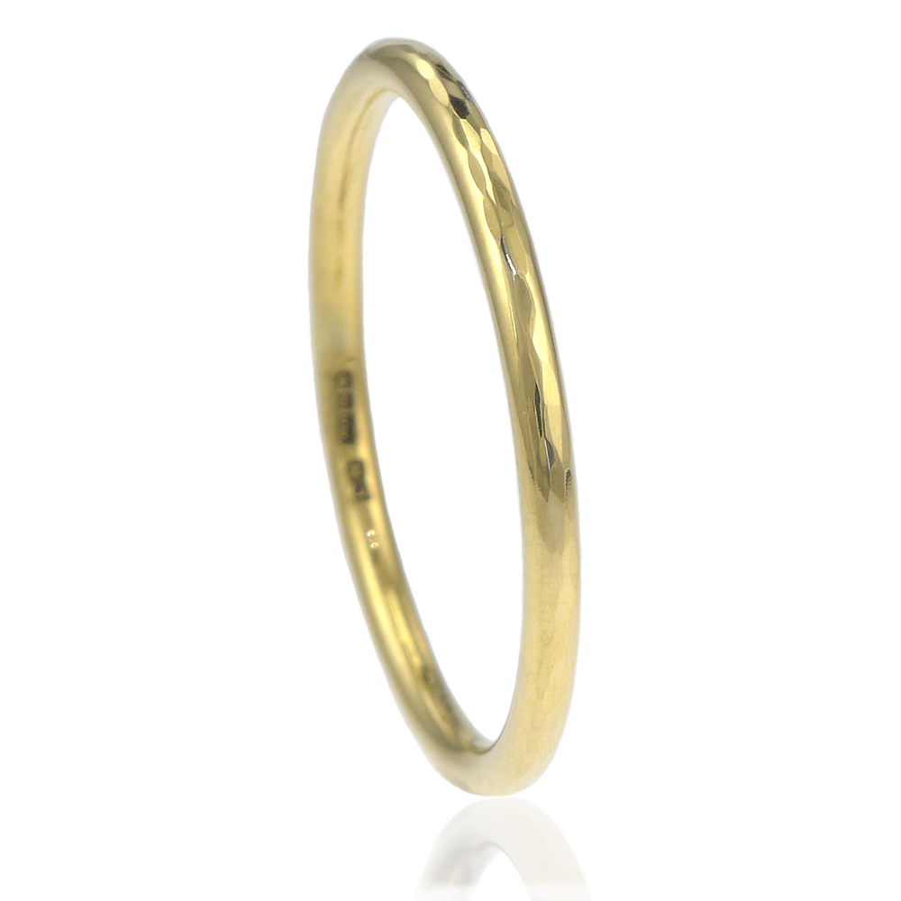 1.5mm hammered gold band