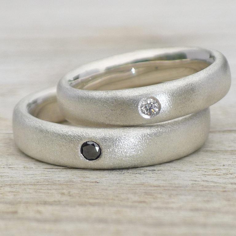 начале дать подержать обручальное кольцо стандартный поводок