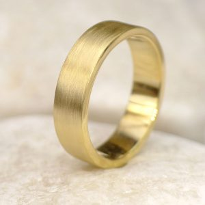 5mm Wide 18ct Gold Wedding Ring