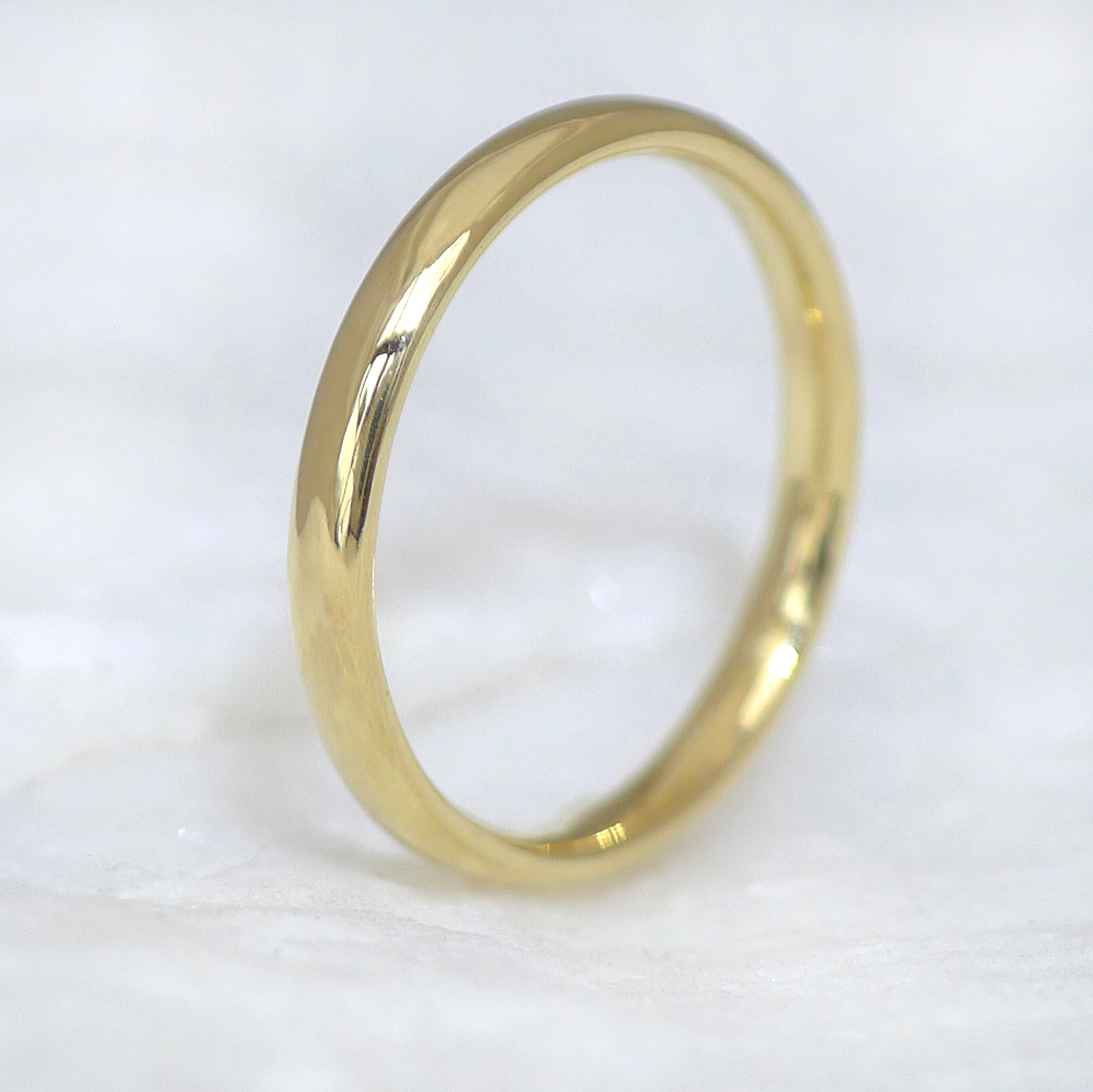 Comfort Fit Gold Wedding Ring