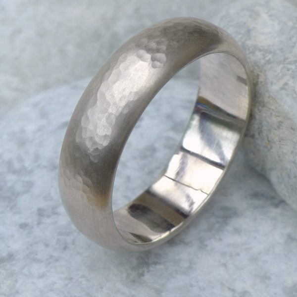 Men's Hammered Gold Ring