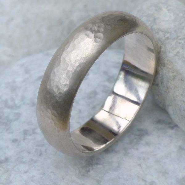 Men's Hammered Gold Ring