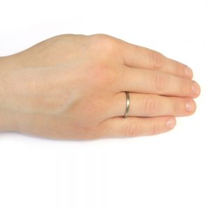 2mm court ring white gold