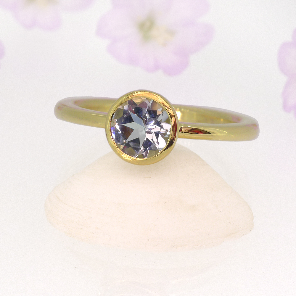 Aquamarine Solitaire Ring in 18ct Yellow Gold