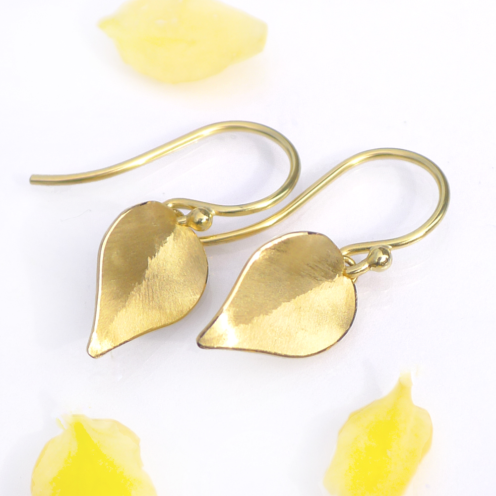 Leaf Earrings in 18ct Yellow Gold