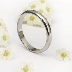 Platinum wedding ring, 3mm wide