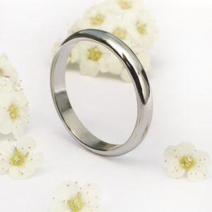Platinum wedding ring, 3mm wide