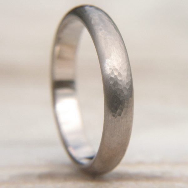 Men's Hammered Wedding Ring