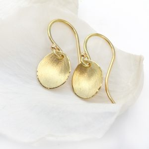 flower petal earrings in 18ct yellow gold