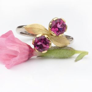 Pink tourmaline ring in moi et toi design