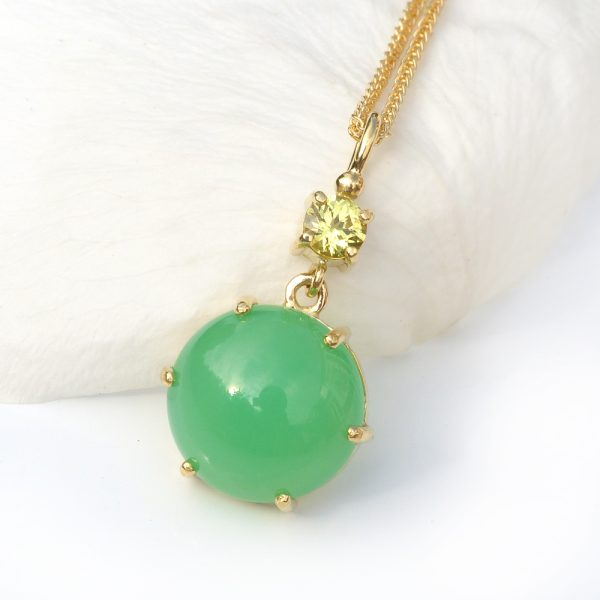 chrysoprase and yellow sapphire pendant