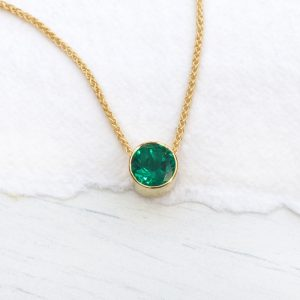 emerald necklace in 18ct gold