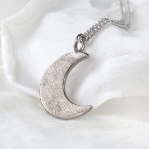 Moon Pendant 18ct Gold