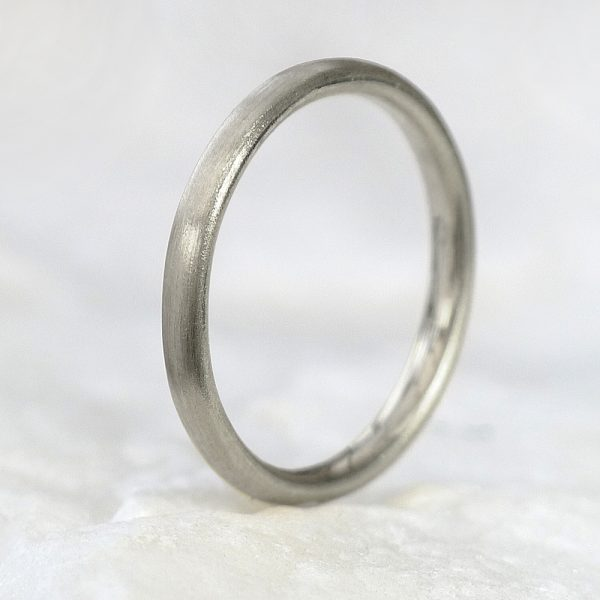 2mm comfort fit ring in white gold