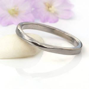ribbon twist ring