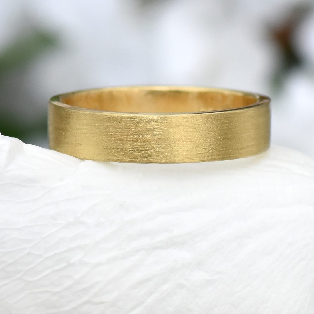 5mm flat wedding ring in gold