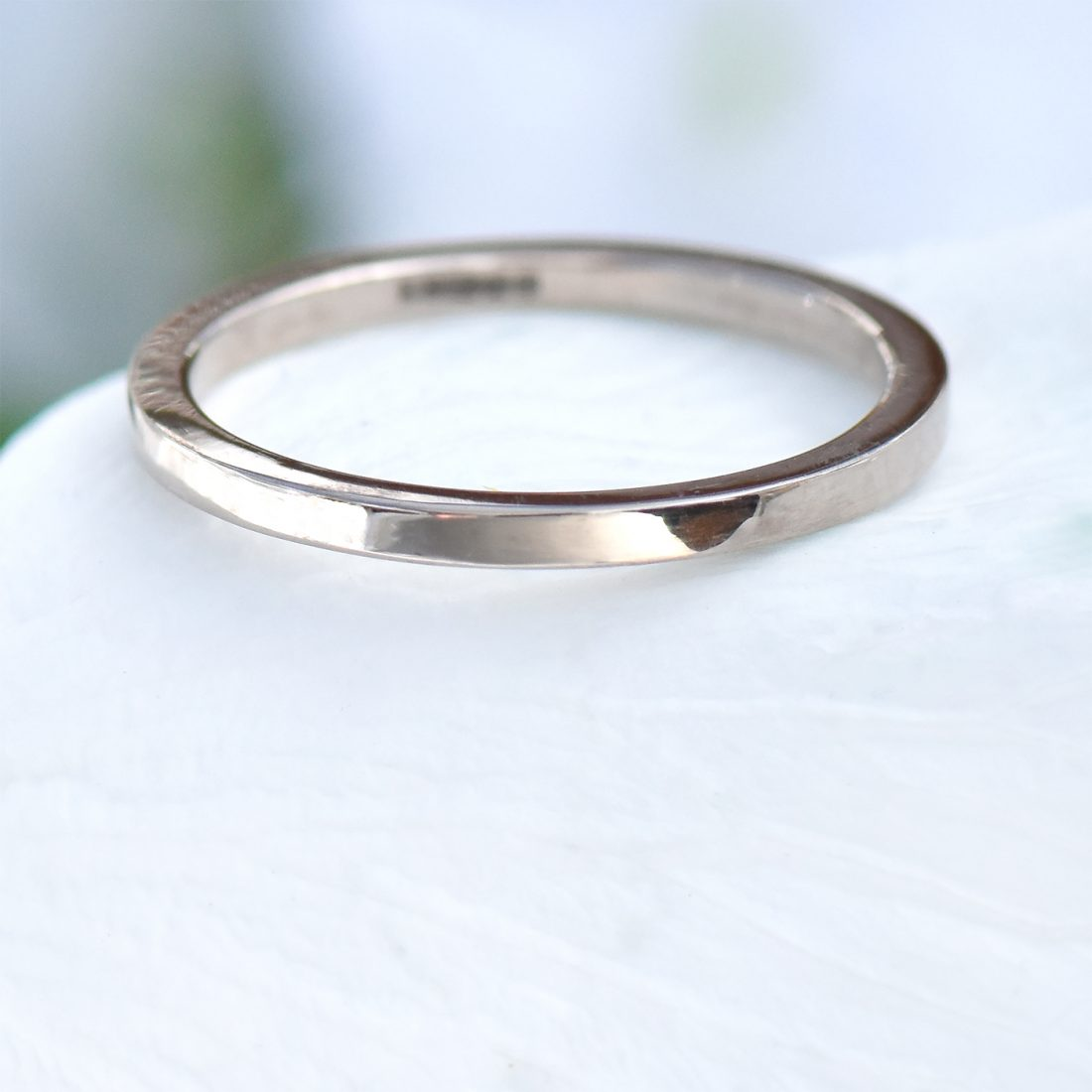 slim flat wedding ring