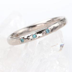 blue diamond hammered wedding ring