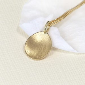 flower petal pendant 18ct yellow gold