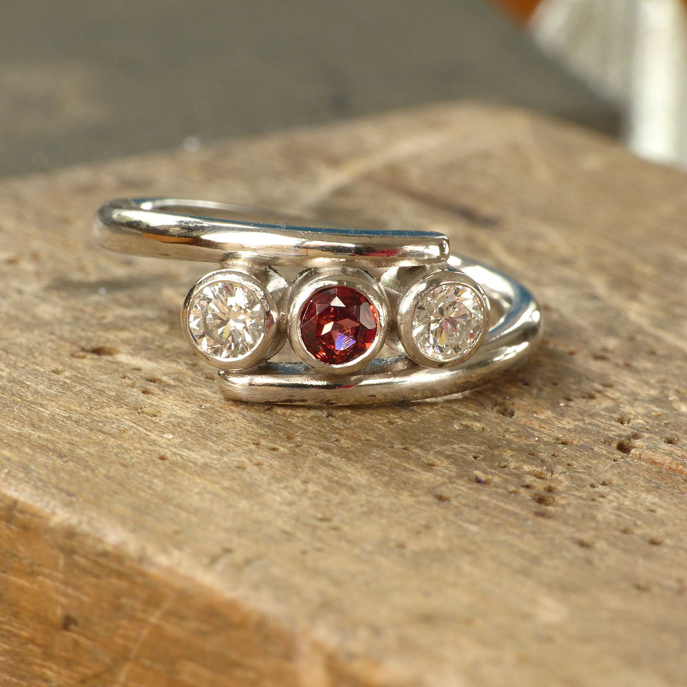 garnet-diamond-ring