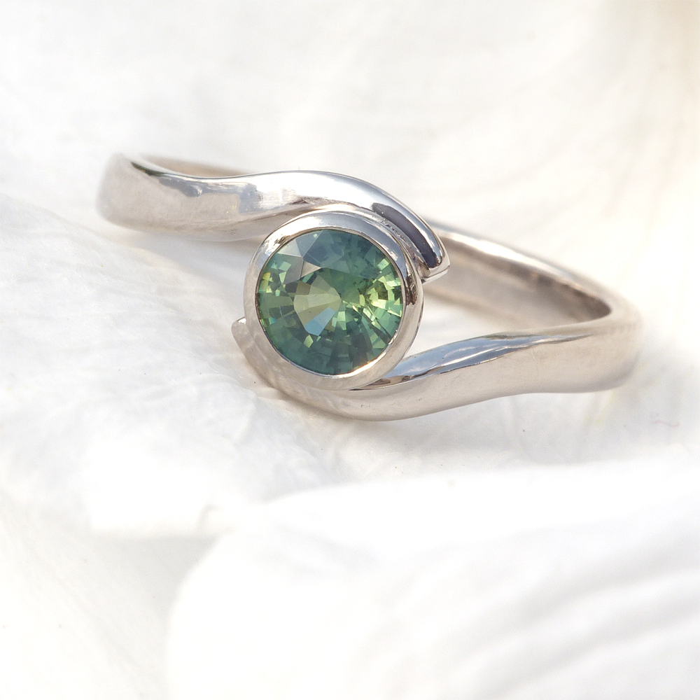 green-sapphire-ring
