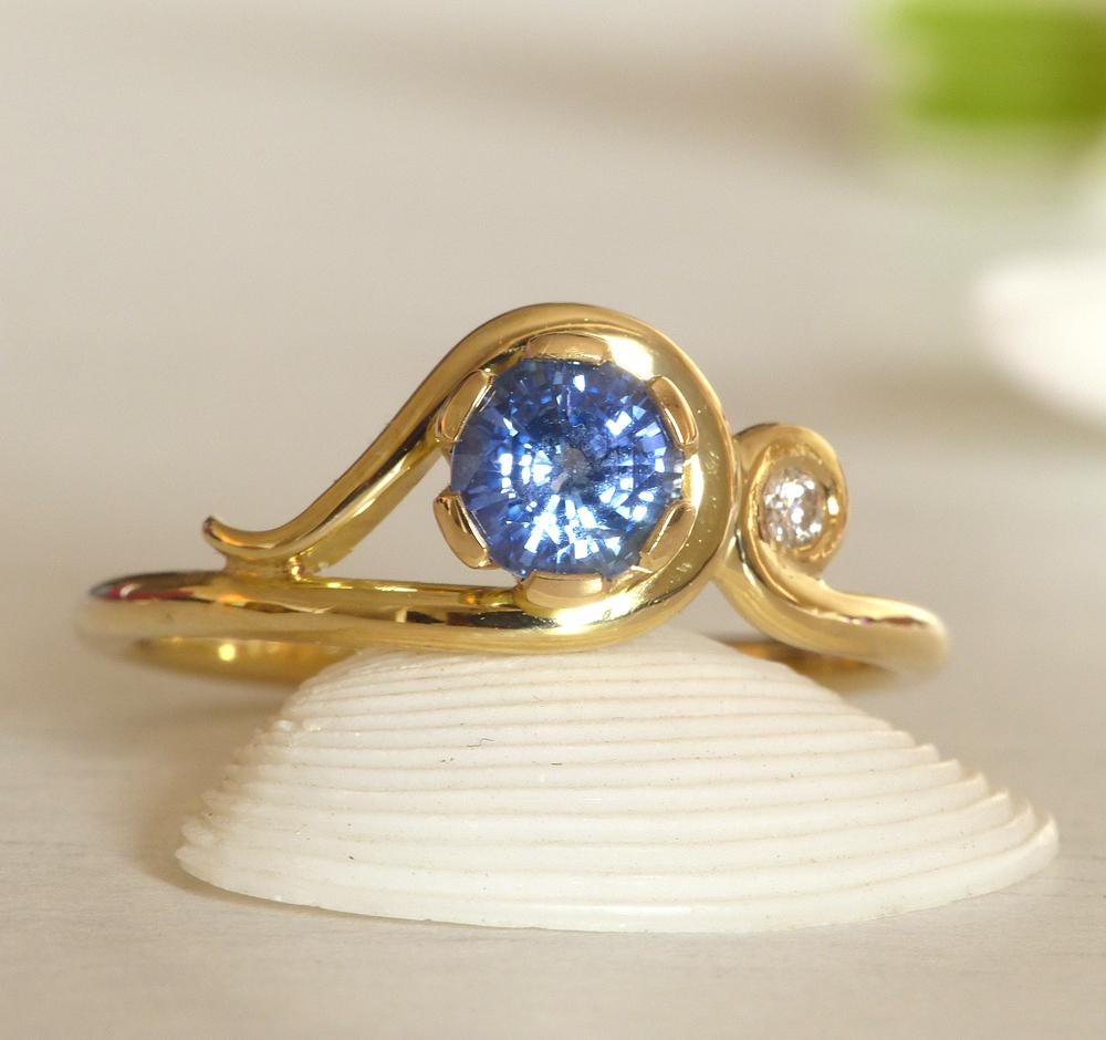 sapphire-art-nouveau-ring
