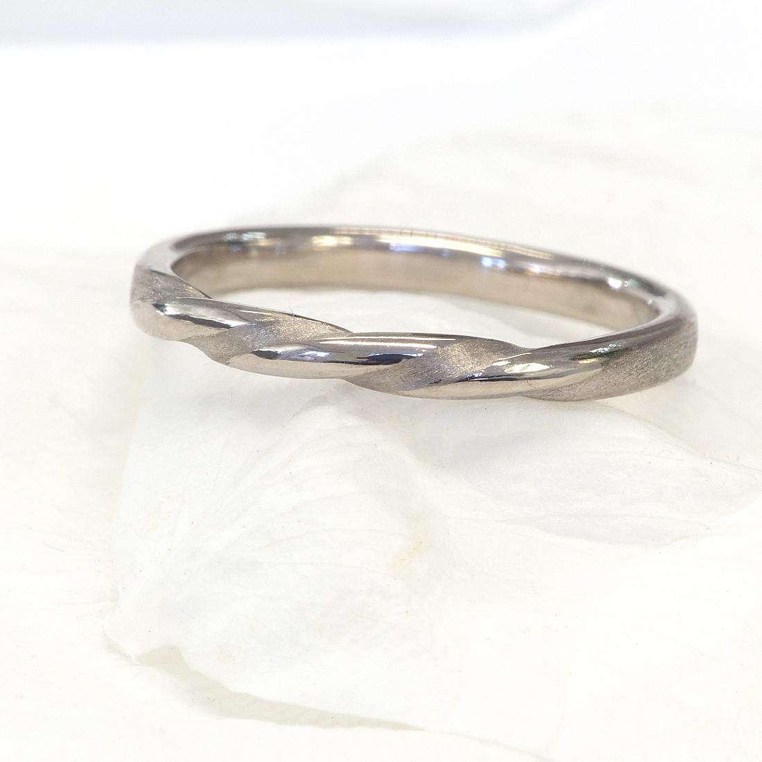 Triple Band Bands: Triple Twist Wedding Ring