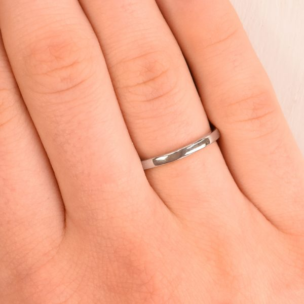 slim platinum wedding ring