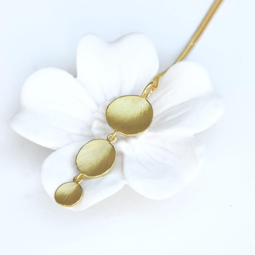 flower petals gold pendant
