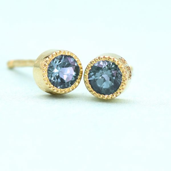 alexandrite stud earrings 18ct gold