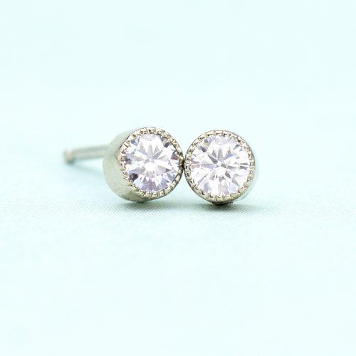 diamond stud earrings white gold