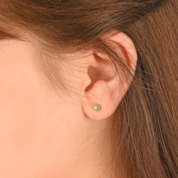 peridot stud earrings white gold