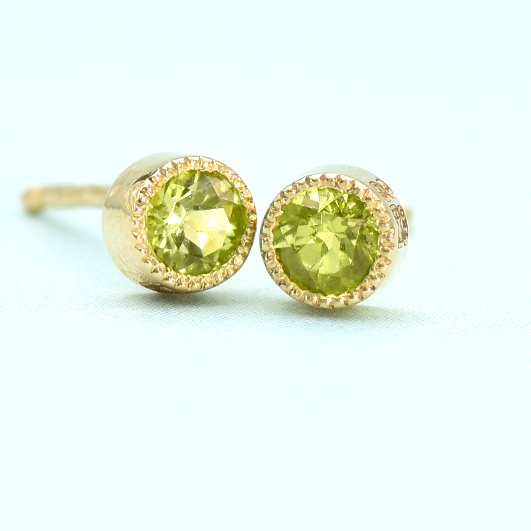 peridot stud earrings 18ct gold