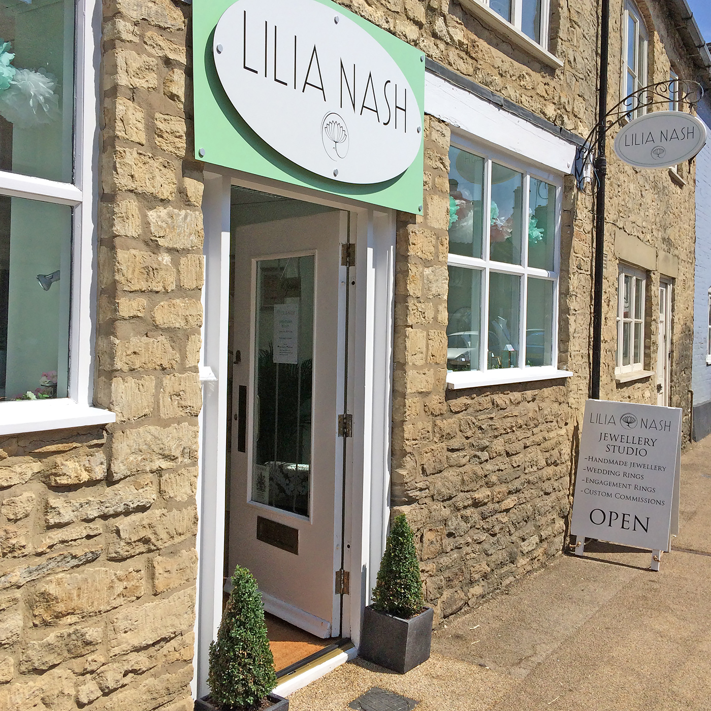 Lilia Nash shop in Lechlade