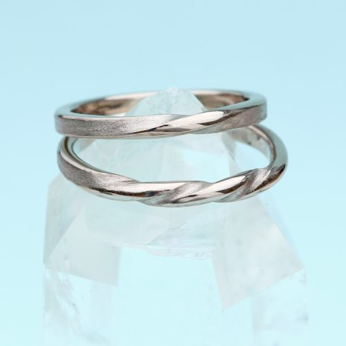 twist wedding rings