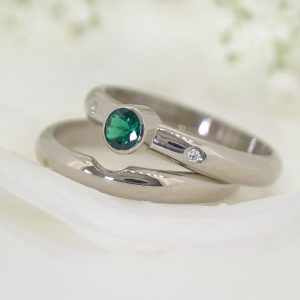 Bespoke wedding ring & emerald engagement ring set by Lilia Nash. 18ct white gold.