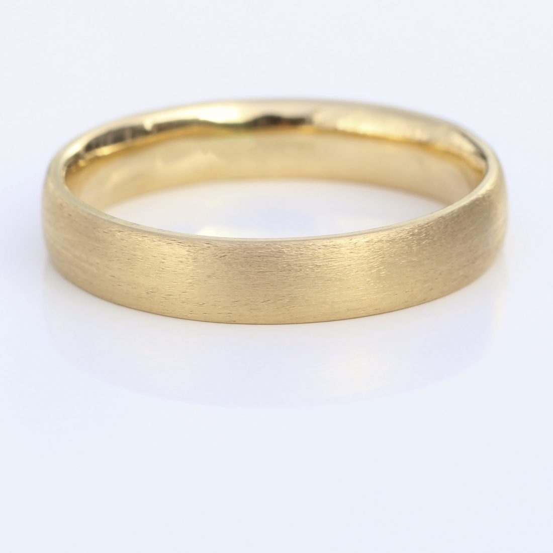 4mm comfort fit wedding ring yellow gold