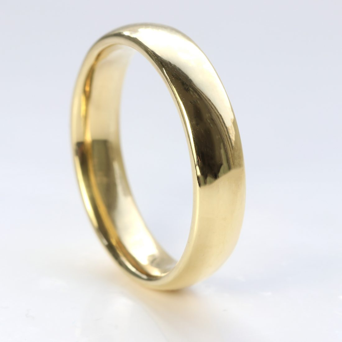 5mm x 2mm comfort fit wedding ring yellow gold