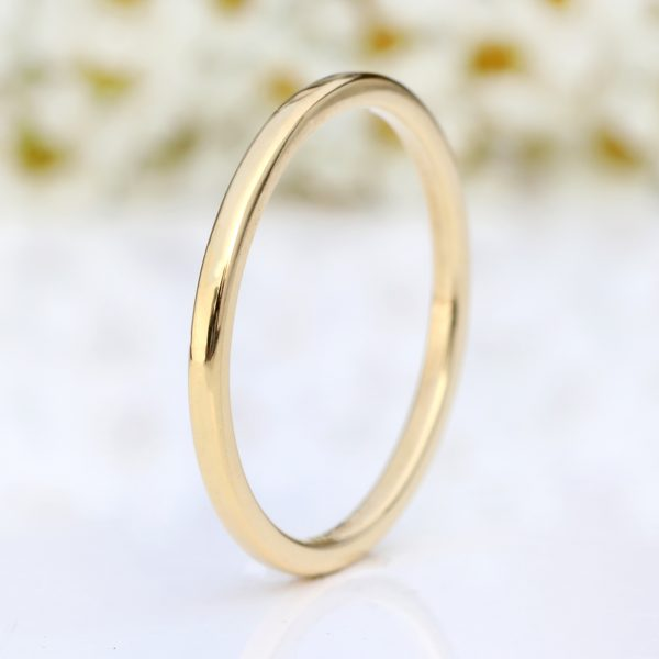 18ct gold slim halo wedding ring
