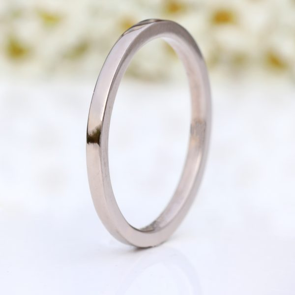 1.5mm square profile wedding ring