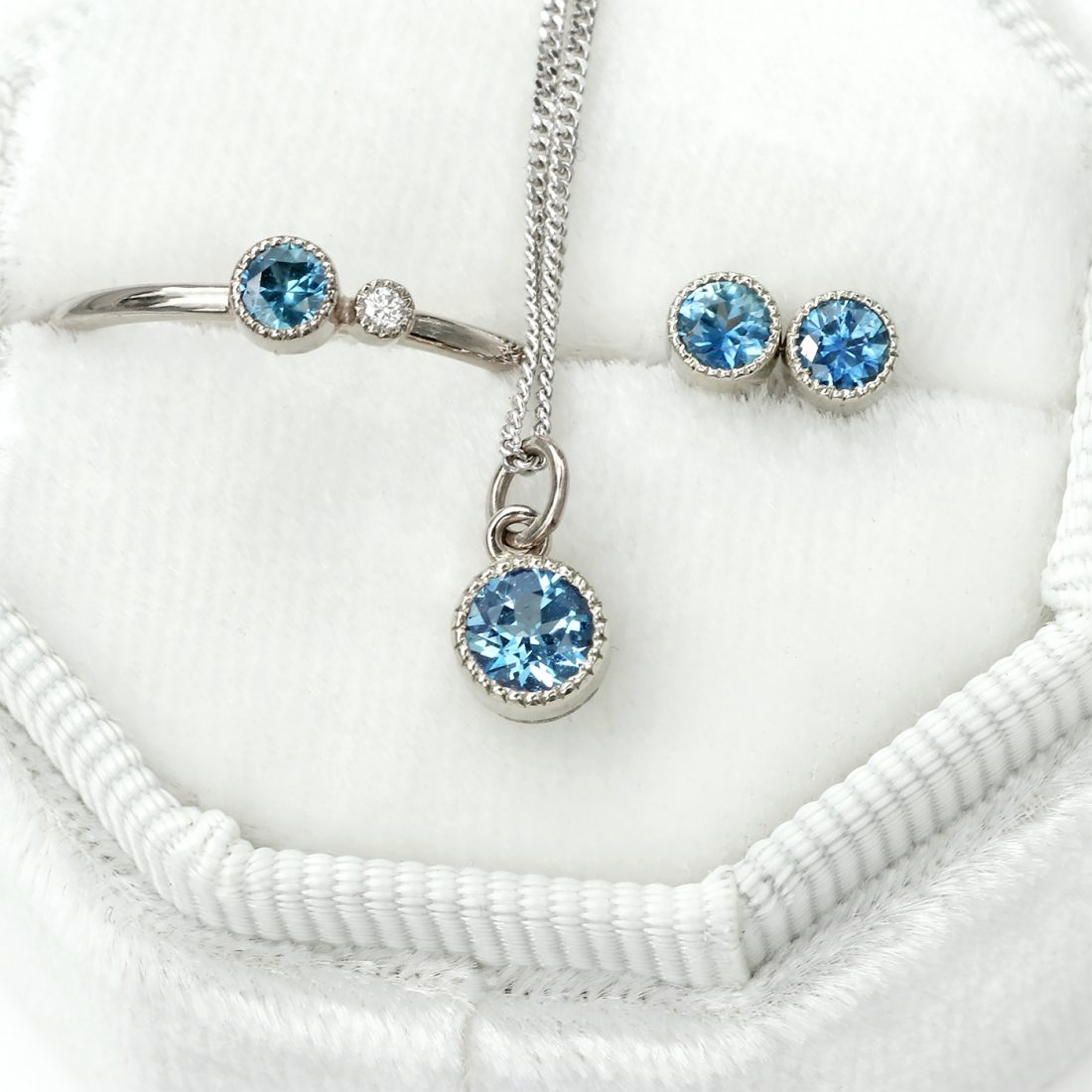 18ct White Gold Petite Milgrain Sapphire Birthstone Jewellery Set
