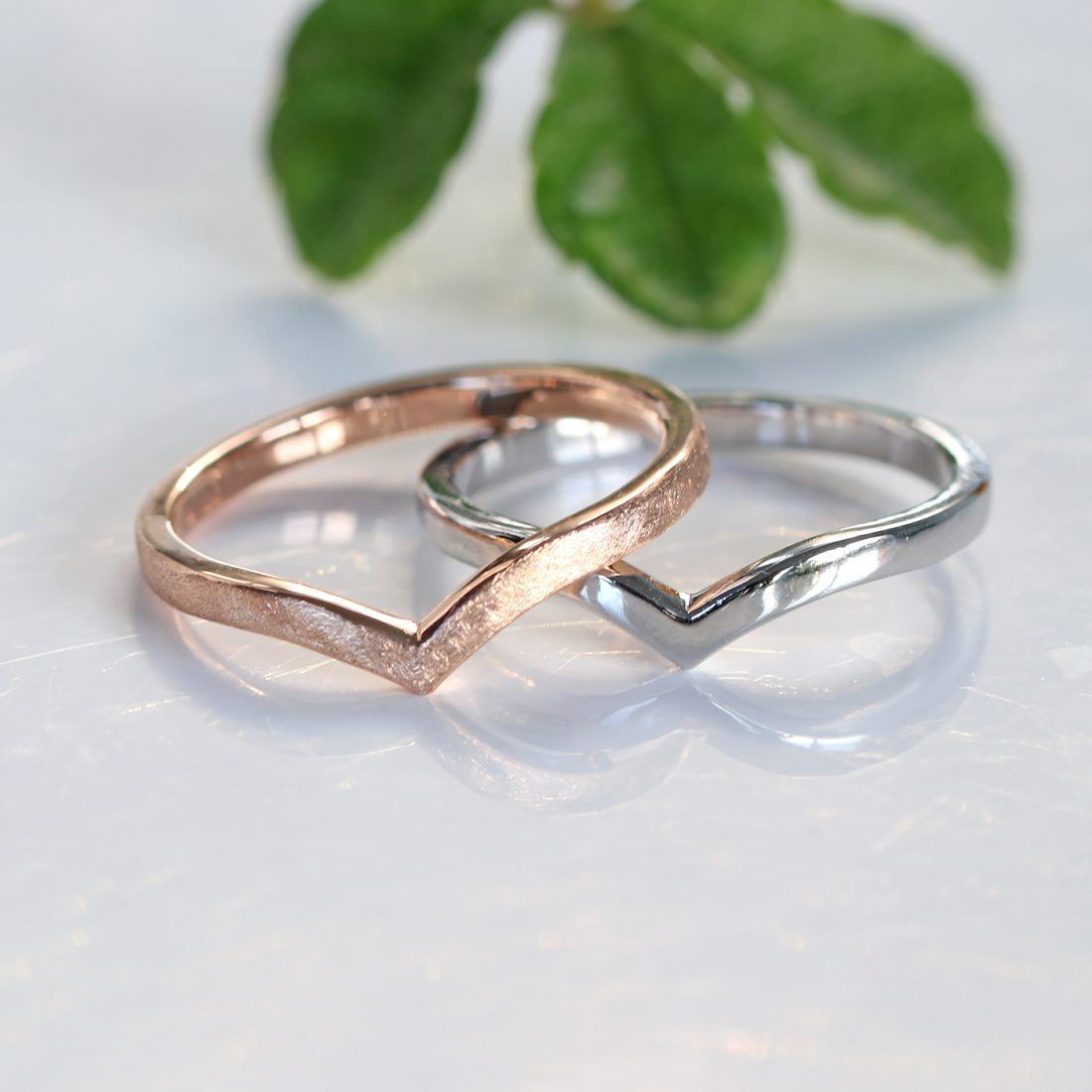 18ct gold, white gold, rose gold or platinum wishbone wedding rings with a choice of 5 finishes.