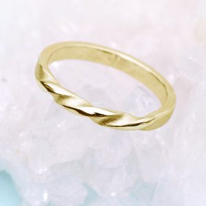 18ct gold triple twist wedding ring, with three twists in the band.